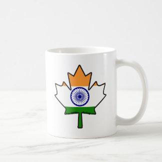 Bandera india en artículos canadienses de la hoja taza