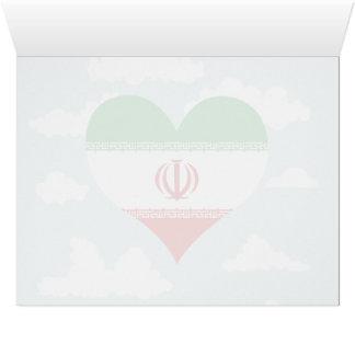 Bandera iraní en un fondo nublado