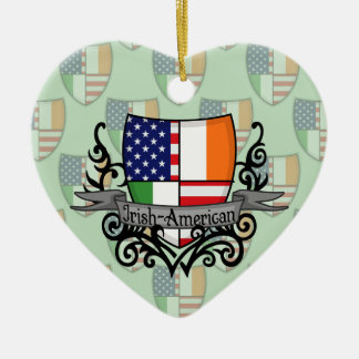Bandera Irlandés-Americana del escudo Adorno Navideño De Cerámica En Forma De Corazón