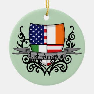 Bandera Irlandés-Americana del escudo Adorno Navideño Redondo De Cerámica