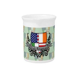 Bandera Irlandés-Americana del escudo Jarra De Beber