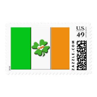 Bandera irlandesa afortunada sello postal