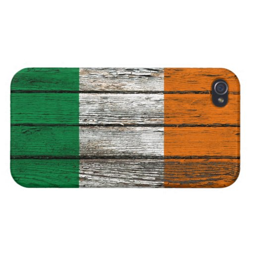 Bandera irlandesa con efecto de madera áspero del  iPhone 4 carcasas