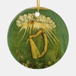 Bandera irlandesa de la brigada adorno navideño redondo de cerámica
