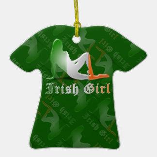 Bandera irlandesa de la silueta del chica adornos de navidad