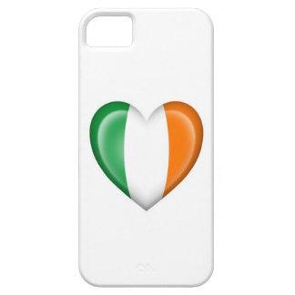 Bandera irlandesa del corazón en blanco iPhone 5 Case-Mate funda