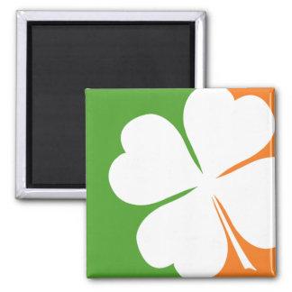 Bandera irlandesa del trébol imán cuadrado