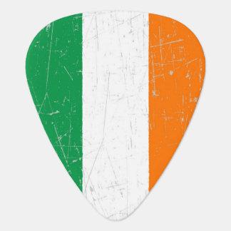 Bandera irlandesa rascada y rasguñada uñeta de guitarra