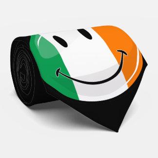 Bandera irlandesa sonriente redonda corbata personalizada