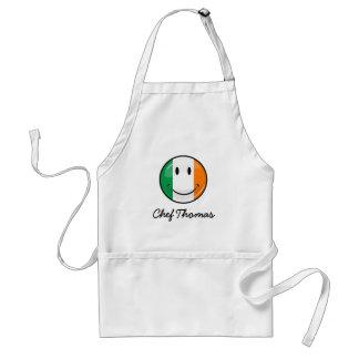Bandera irlandesa sonriente redonda delantal