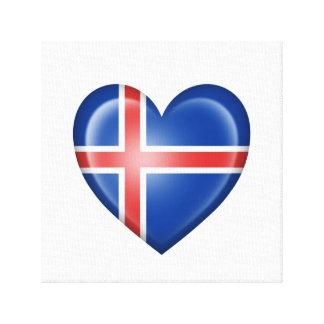 Bandera islandesa del corazón en blanco lienzo envuelto para galerías