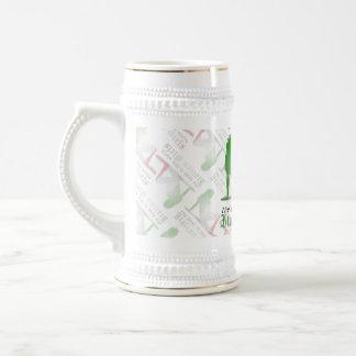 Bandera italiana de la silueta del chica jarra de cerveza