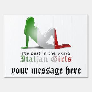 Bandera italiana de la silueta del chica letreros