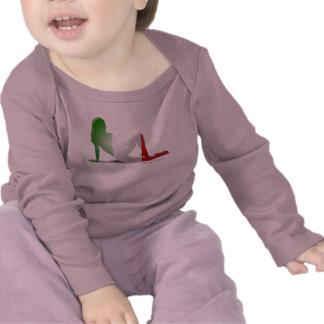 Bandera italiana de la silueta del chica camisetas