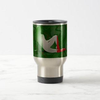 Bandera italiana de la silueta del chica taza de viaje