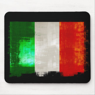 Bandera italiana del Grunge del estilo retro del v Tapetes De Ratones