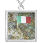Bandera italiana en mapa joyerías