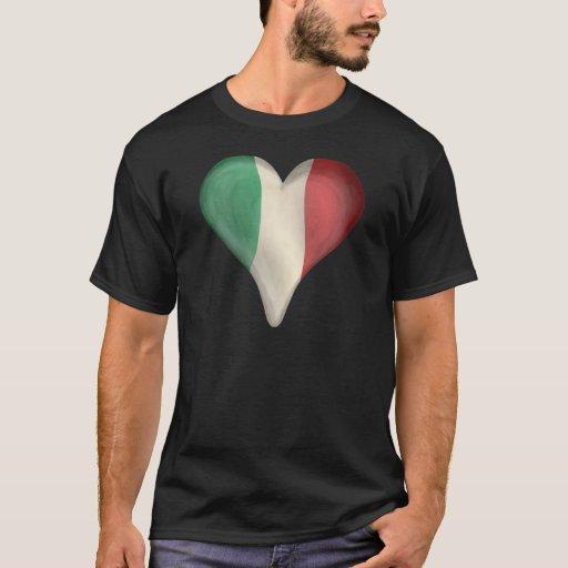 Bandera italiana en un corazón playera