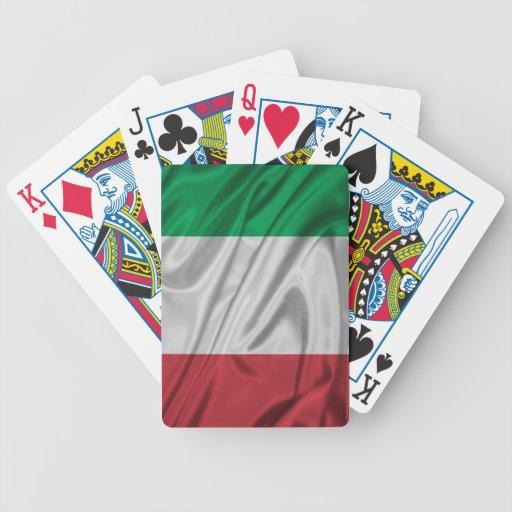 Bandera italiana orgullosa y patriótica