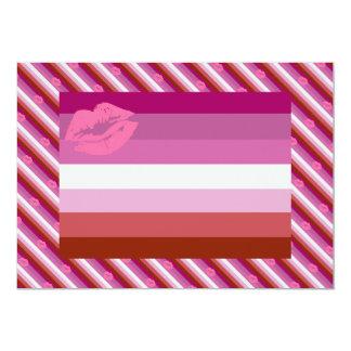 """Bandera lesbiana del orgullo del lápiz labial invitación 5"""" x 7"""""""