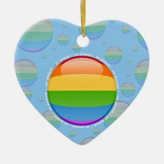 Bandera lesbiana gay de la burbuja del orgullo del adorno navideño de cerámica en forma de corazón
