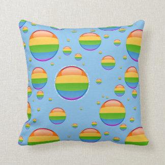 Bandera lesbiana gay de la burbuja del orgullo del cojín decorativo