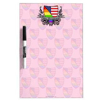 Bandera lesbiana gay del escudo del orgullo del ar tableros blancos