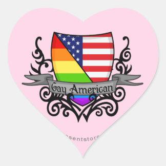 Bandera lesbiana gay del escudo del orgullo del pegatina en forma de corazón
