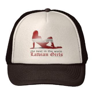 Bandera letona de la silueta del chica gorras de camionero