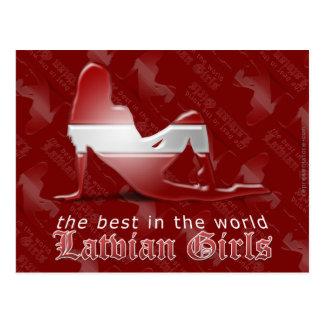 Bandera letona de la silueta del chica tarjetas postales