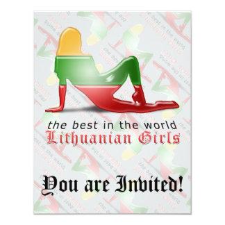 Bandera lituana de la silueta del chica invitación 10,8 x 13,9 cm