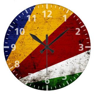 Bandera negra de Seychelles del Grunge Reloj Redondo Grande