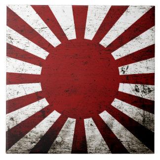 Bandera negra del sol naciente de Japón del Grunge Azulejo Cuadrado Grande
