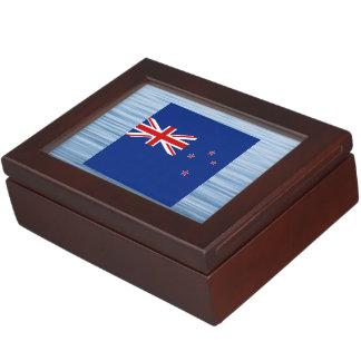 Bandera neozelandesa que flota en el agua caja de recuerdos