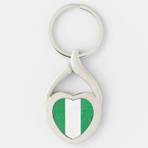 Bandera nigeriana rascada y rasguñada llaveros