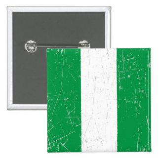 Bandera nigeriana rascada y rasguñada
