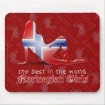 Bandera noruega de la silueta del chica tapete de ratones