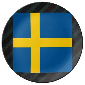 Bandera oficial de Suecia en rayas Platos De Cerámica