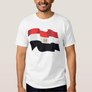 Bandera ondulada de Egipto - Egipto está libre Playeras