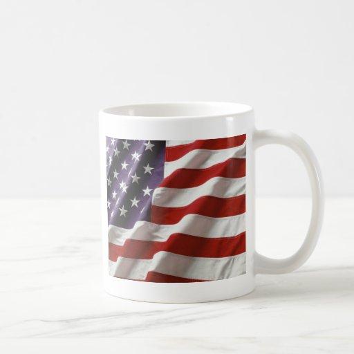 Bandera orgullosa y patriótica de los E.E.U.U. Taza