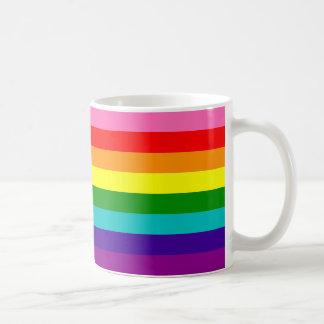 Bandera original del arco iris del orgullo gay de taza básica blanca