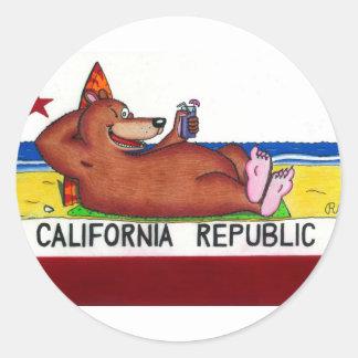 Bandera oxidada del oso de California Pegatina Redonda