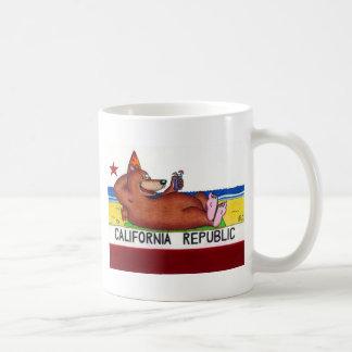 Bandera oxidada del oso de California Taza De Café