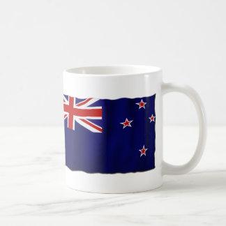 Bandera patriótica de NZ de Nueva Zelanda para los Taza Básica Blanca