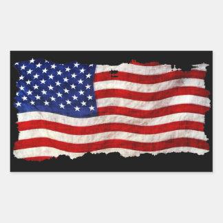 Bandera patriótica hecha andrajos de los E.E.U.U. Pegatina Rectangular