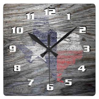 Bandera patriótica rústica de Tejas en la textura Reloj Cuadrado