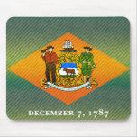 Bandera pelada moderna de Delawarean Alfombrillas De Ratones