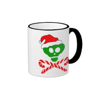 Bandera pirata del cráneo del navidad tazas de café