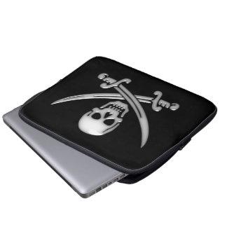 Bandera pirata del cráneo y de la espada del funda computadora