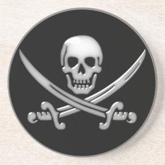 Bandera pirata del cráneo y de la espada del posavasos para bebidas